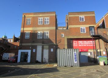 Thumbnail 2 bedroom flat to rent in Broad Street, Banbury, Oxfordshire
