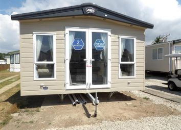 Thumbnail 2 bed mobile/park home for sale in Solent Breezes, Warsash, Southampton