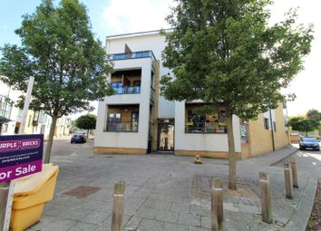 Thumbnail 2 bed flat for sale in Courtyard Mews, Greenhithe