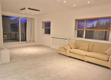2 bed flat to rent in The Avenue, Westbourne, Bournemouth BH13