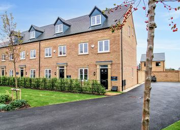 3 bed town house for sale in Crown Place, Fenstanton, Cambidge PE28