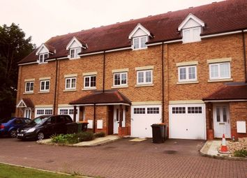 Thumbnail 3 bed flat to rent in Watling Gardens, Dunstable