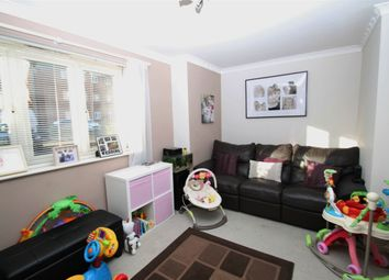 1 bed flat to rent in Maplin Park, Slough, Berkshire SL3