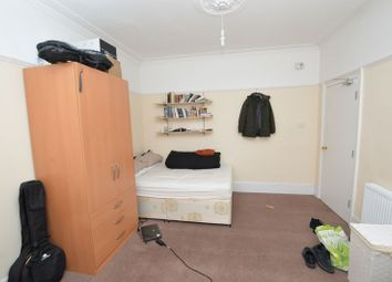 Thumbnail Room to rent in West Street, Bromley