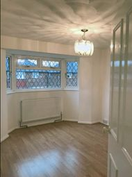 3 bed flat to rent in New Close, Feltham, London TW13