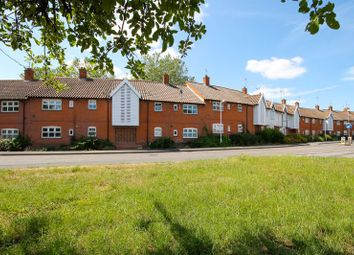 Lower Street, Laindon, Basildon SS15. 1 bed flat for sale