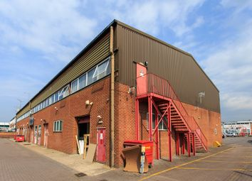 Thumbnail Warehouse to let in Kelvin Way, Manor Royal Industrial Estate, Crawley