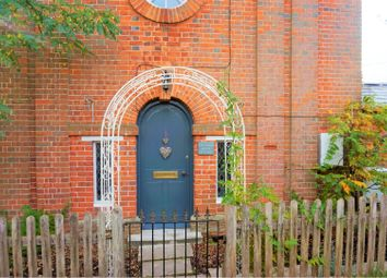 Thumbnail 2 bed cottage for sale in Old Rectory Lane, Winchester