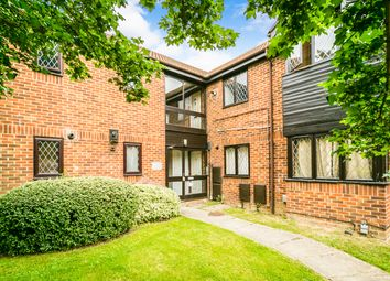 Thumbnail 1 bed flat to rent in Ashmere Close, Calcot, Reading