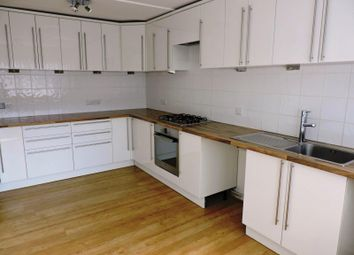 Thumbnail 3 bedroom terraced house to rent in Newhaven Street, Brighton