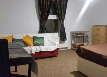 Thumbnail Room to rent in Balham High Road, London