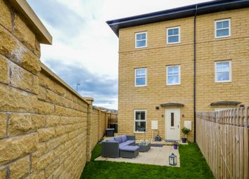 Thumbnail 2 bed town house for sale in Cawood Close, Wakefield