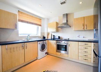 Thumbnail 2 bed flat to rent in Candle Street, London