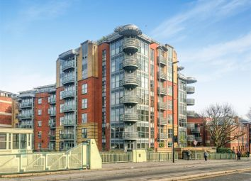 Thumbnail 2 bedroom flat for sale in Redcliff Backs, Redcliffe, Bristol
