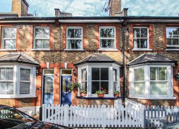 Station Road, Claygate, Esher KT10. 3 bed cottage