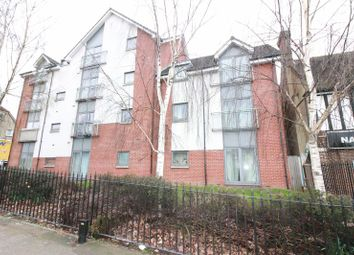 Thumbnail 2 bed flat to rent in Rosehill Avenue, Sutton