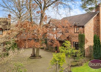 Foxhanger Gardens, Woking GU22. 4 bed detached house for sale