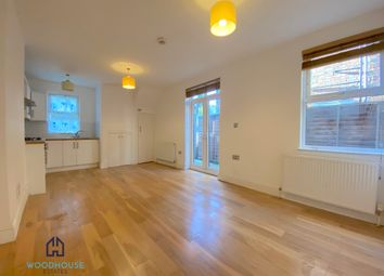 Thumbnail 2 bed flat to rent in Gordon Road, Finchley
