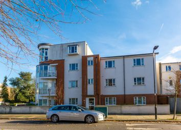 Thumbnail 3 bed flat to rent in Hillcrest, Ealing