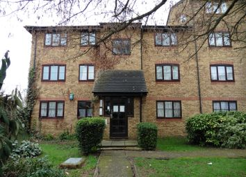 Thumbnail 2 bed flat to rent in Crest Avenue, Grays
