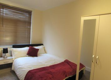 Thumbnail Room to rent in Byron Road, Harrow Wealdstone, Middlesex