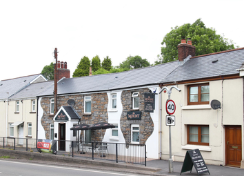Thumbnail Pub/bar for sale in Carmarthenshire - Refurbished Bar & Grill SA18, Gwaun Cae Gurwen, Carmarthenshire