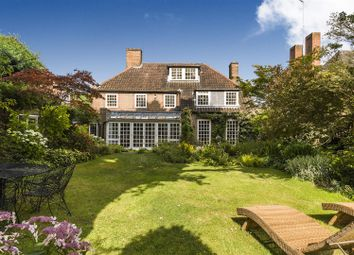 Thumbnail 6 bed property to rent in Wildwood Road, Hampstead Garden Suburb