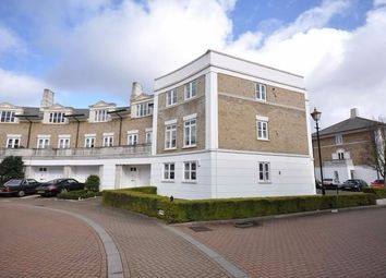 Thumbnail 1 bed flat to rent in Huntingdon Gardens, Chiswick