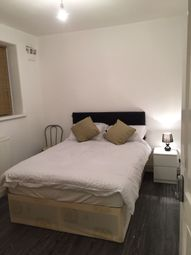 Thumbnail 4 bed flat to rent in Chicksand Street, London