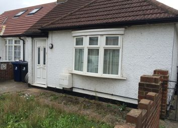 Thumbnail 3 bed bungalow to rent in Bengarth Road, Northolt