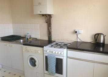 Thumbnail 2 bedroom flat to rent in Newland Avenue, Hull