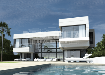 Thumbnail 4 bed villa for sale in La Alqueria, Benahavis, Malaga, Spain