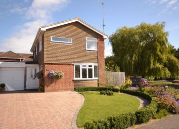 Thumbnail 3 bedroom property for sale in Maple Road, Billingshurst