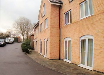 Thumbnail 2 bedroom flat to rent in Eastwick Road, Taunton