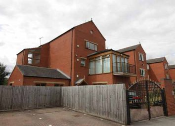 Thumbnail 3 bed flat for sale in Riverside Lawns, Lincoln, Lincolnshire