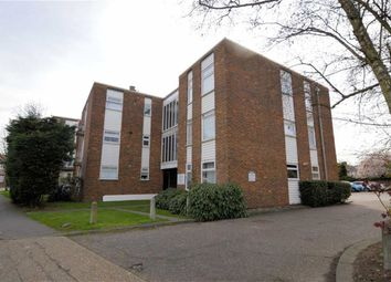 Thumbnail 1 bed flat to rent in Squirrels Heath Lane, Gidea Park, Hornchurch