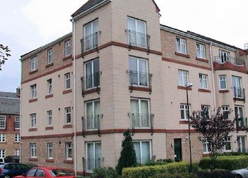Thumbnail 3 bedroom flat to rent in 18/6 Sinclair Place, Edinburgh