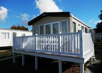 Thumbnail 2 bedroom mobile/park home for sale in Lytchett Bay View, Rockley Park, Poole