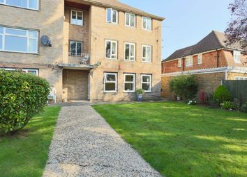 Rosewood Way, Farnham Common, Slough SL2. 2 bed flat