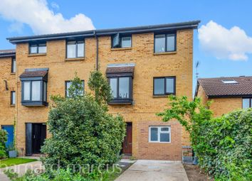 Thumbnail 4 bed property to rent in Deerhurst Close, Feltham