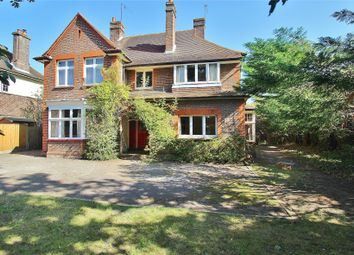 Horsell, Woking, Surrey GU21. 4 bed detached house