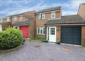 Thumbnail 3 bed detached house to rent in Wakehurst Mews, Horsham