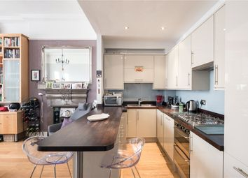 2 bed flat to rent in Florence Road, Ealing, London W5