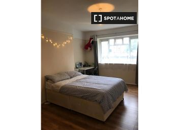 Room to rent in Broomhouse Lane, London SW6