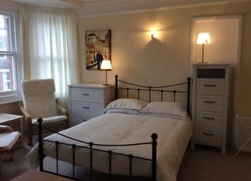Thumbnail Room to rent in Room 3, 40 Farnham Road, Guildford