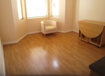Thumbnail 2 bed flat to rent in Very Near Kent Road Area, Chiswick