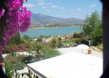 Thumbnail 3 bed villa for sale in Spain, Málaga, Viñuela