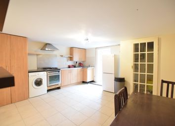 Thumbnail 3 bed flat to rent in Ground Floor Chatham Street, Reading