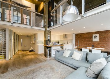 Thumbnail 2 bedroom flat to rent in Summers Street, London
