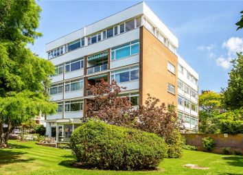The Bowls, Chigwell, Essex IG7. 3 bed flat